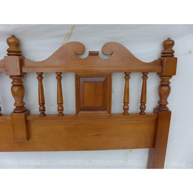 Cottage Style Drexel Haritage Queen Size Headboard - Image 3 of 7