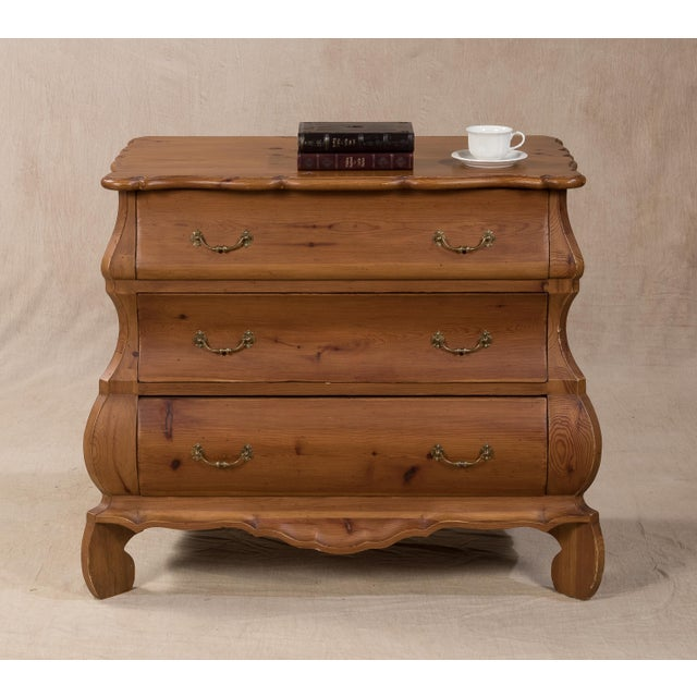Sarreid LTD Aragonese Scalloped Bombay Chest - Image 6 of 6