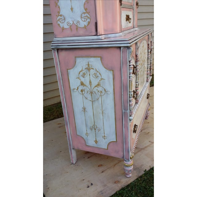 Antiqued Pink & Gold French-Style Dresser - Image 4 of 11