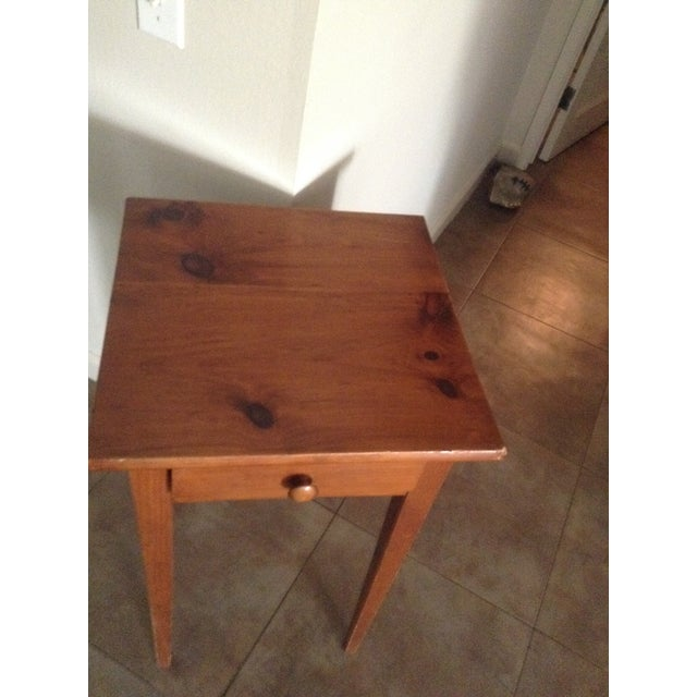 Handcrafted Pennsylvania Shaker Style Accent Table - Image 3 of 5