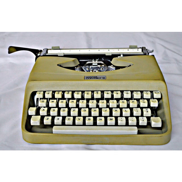 Italian Typewriter With Portable Case - Image 6 of 10