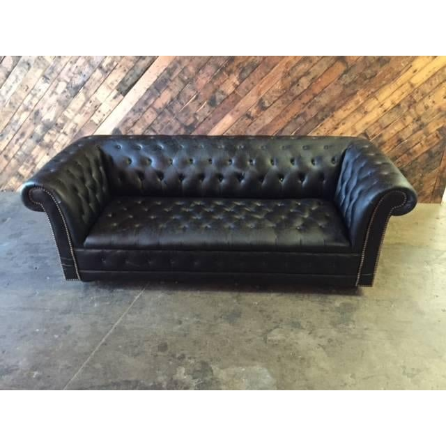 Funky Old Vintage Black Chesterfield Sofa - Image 5 of 10