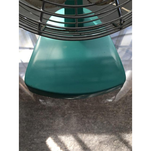 Mid-Century Modern Chrome Desk Fan - Image 5 of 7