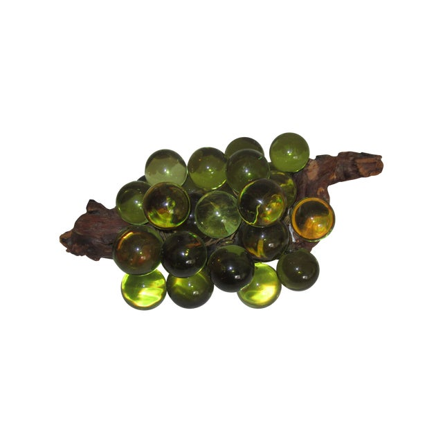 Green Resin Grapes on the Vine - Image 1 of 9