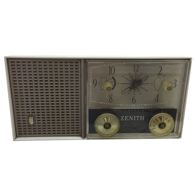 Zenith Sleep Switch AM FM Clock Radio - Image 1 of 11