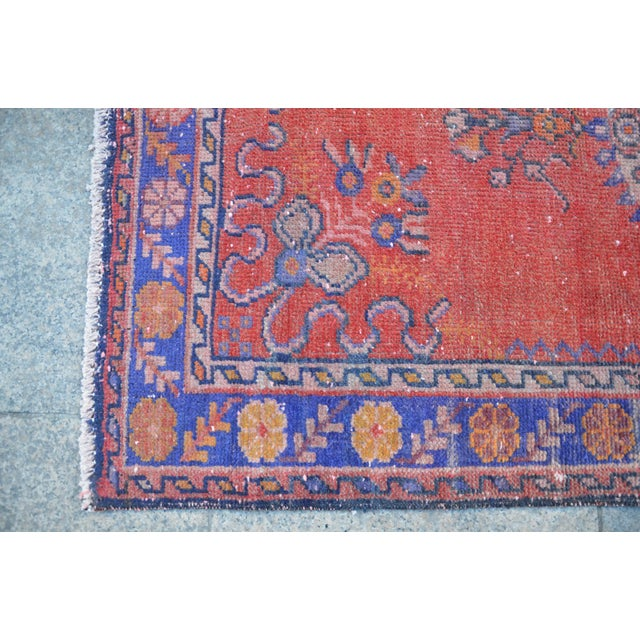 Vintage Turkish Rug - 2′9″ × 5′10″ - Image 6 of 6