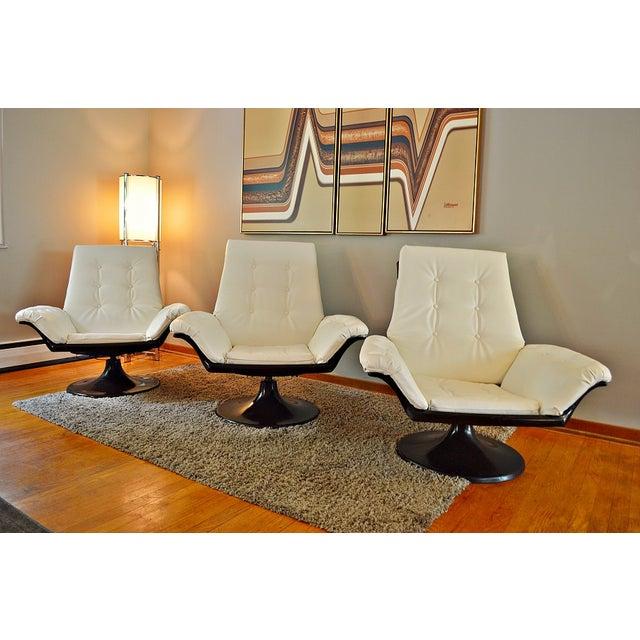 Decorian Swivel Tulip Base Chairs - Set of 3 - Image 3 of 11