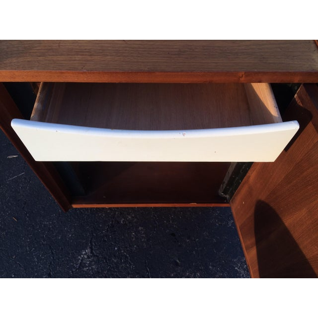 Dillingham Esprit Mid-Century Modern Nightstand - Image 7 of 10