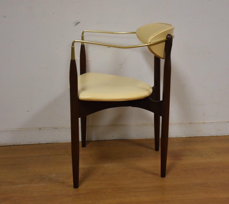 Dan Johnson Beechwood and Off-White Vinyl Viscount Chair - Image 5 of 10