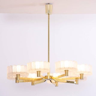 Large Italian 1960s Luxury Brass Chandelier with Eight Arms