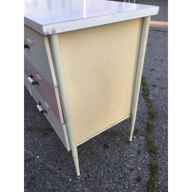 1950s Vista of California Pink & White Metal Dresser - Image 4 of 6