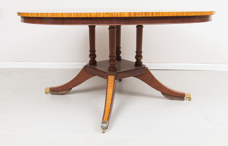 English Victorian Rosewood Dining Table Chairish : c3824edd 63db 4a2a 926c f9f4b8416871aspectfitampwidth640ampheight640 from www.chairish.com size 640 x 640 jpeg 24kB