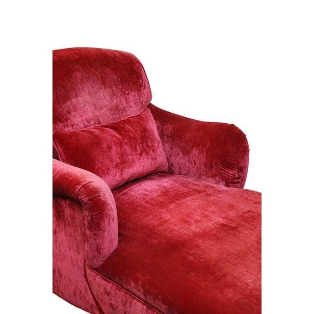 Image of Fuchsia Chaise Lounge