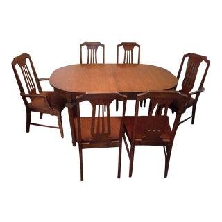 Bassett Italian Renaissance Style Carved Oak Dining Set