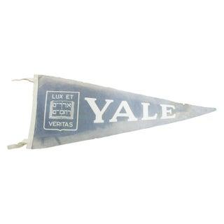 Vintage Yale Luxe Et Veritas Felt Flag Banner