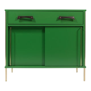 re: 391 sliding door cabinet with lacquered case, brass legs and leather handles