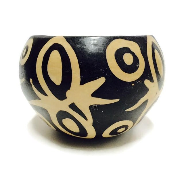 Image of Vintage Peruvian Clay Pottery Bowl