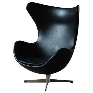 Arne Jacobsen for Fritz Hansen Egg Chair in Black Leather, 1965