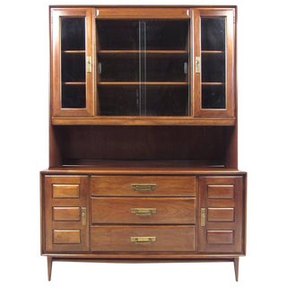Heywood-Wakefield Mid-Century Sideboard With Display Hutch