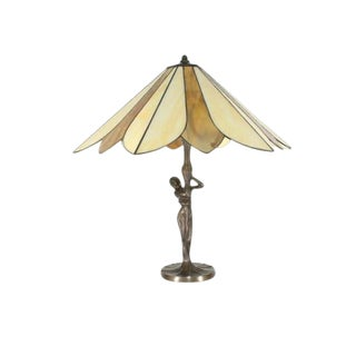 Stained Glass Lady With an Umbrella Table Lamp