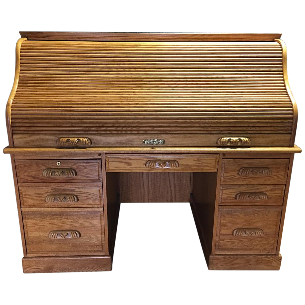 Traditional Winners ly Roll Top Desk