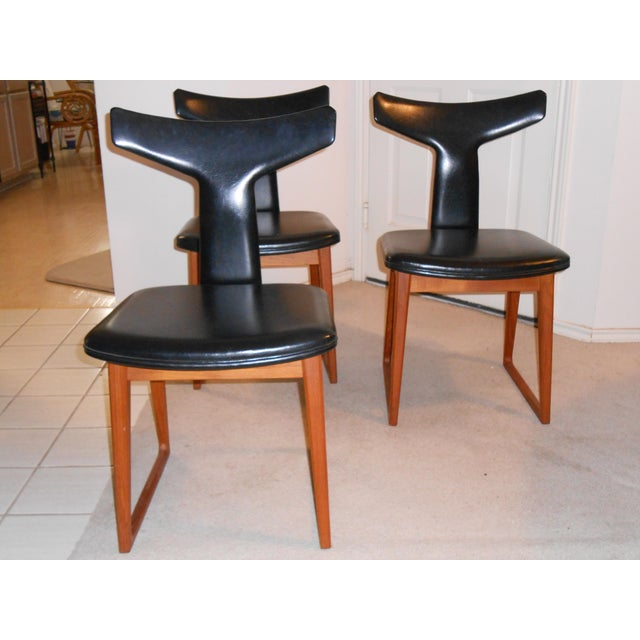 Arne Vodder for Sibast Gate Leg Teak Dining Table With 6 T-Back Black Leather Dining Chairs - Image 6 of 11