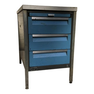 Wright Line Industrial Cabinet Table