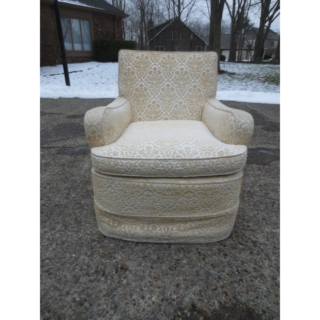 Vintage Cream Club Chairs - A Pair - Image 7 of 9