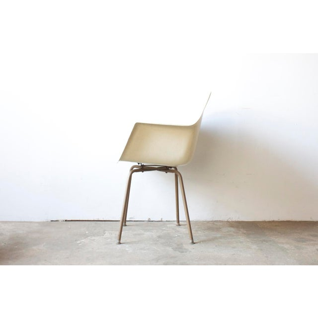 Mid-Century American White Chair - Image 3 of 5