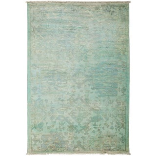 "Vibrance, Hand Knotted Light Green Wool Area Rug - 4' 1"" X 6' 1"""