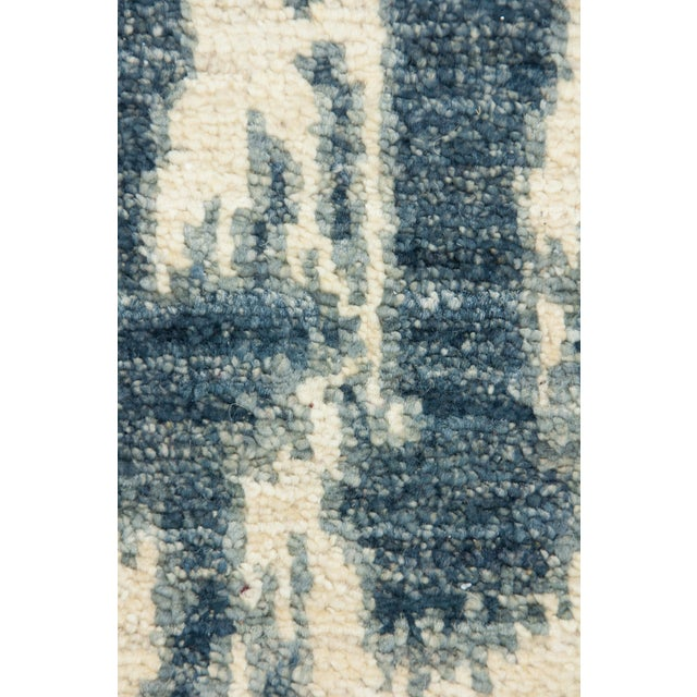 """Image of Contemporary Ikat Hand Knotted Rug - 4' 7""""x 7'"""