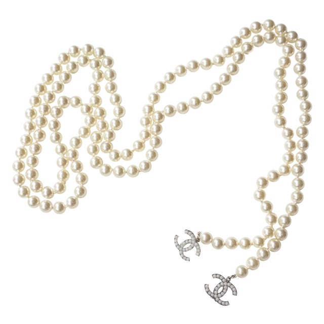 Image of Authentic Chanel Classic CC Pearl Lariat Necklace