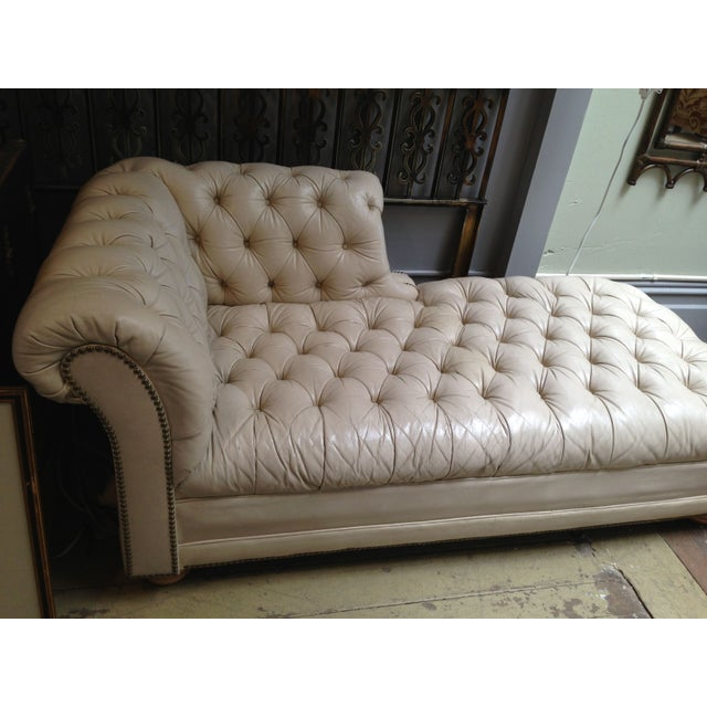 vintage tufted leather chesterfield chaise lounge chairish. Black Bedroom Furniture Sets. Home Design Ideas