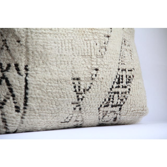 Moroccan Vintage Beni Ourain Pillow - Image 5 of 6