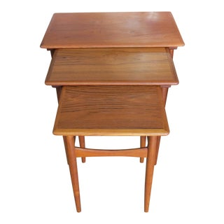 Vintage Mid-Century Modern Teak Nesting Tables - Set of 3