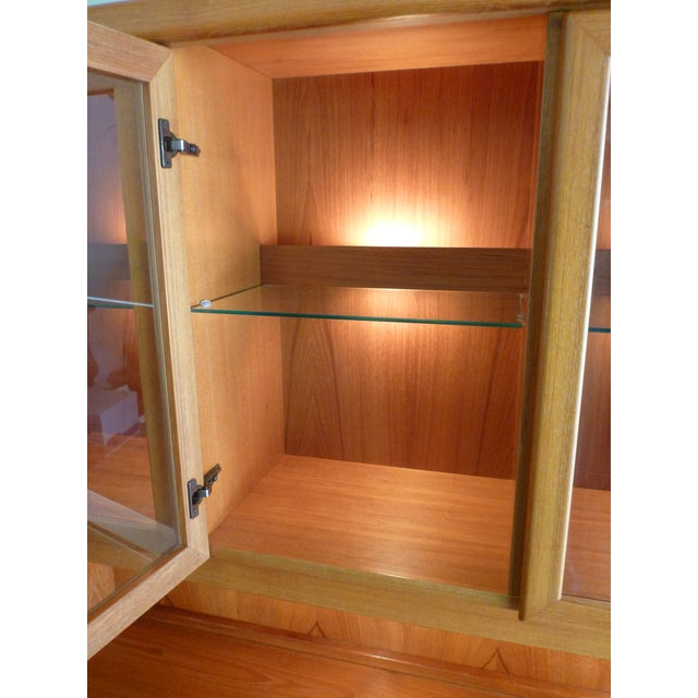 Solid Teak Buffet & Lighted Hutch - Image 4 of 5