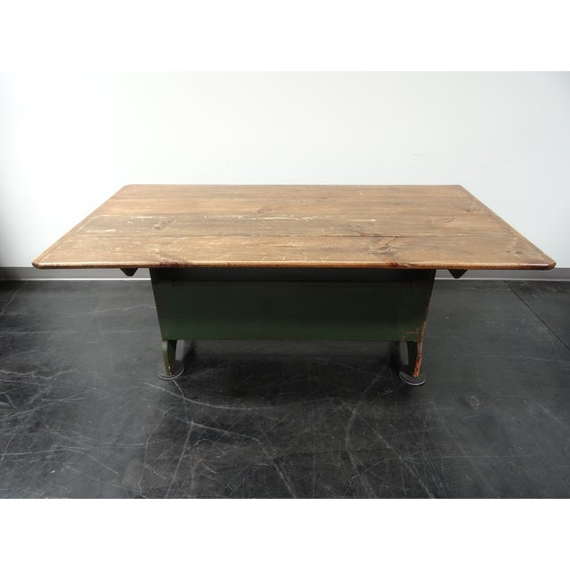 Decor Coffee Table Distressed Stockton Farm: Pennsylvania Hutch Style Rustic Distressed Farm Dining