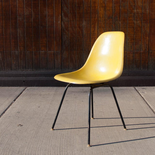 herman miller eames fiberglass chair chairish. Black Bedroom Furniture Sets. Home Design Ideas