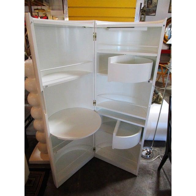 Image of White Lacquer Cylindrical Folding Bar