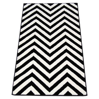 "Black and White Chevron Rug - 5'3"" x 7'4"""