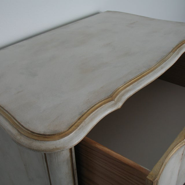 Vintage French Provincial Chest of Drawers - Image 3 of 8