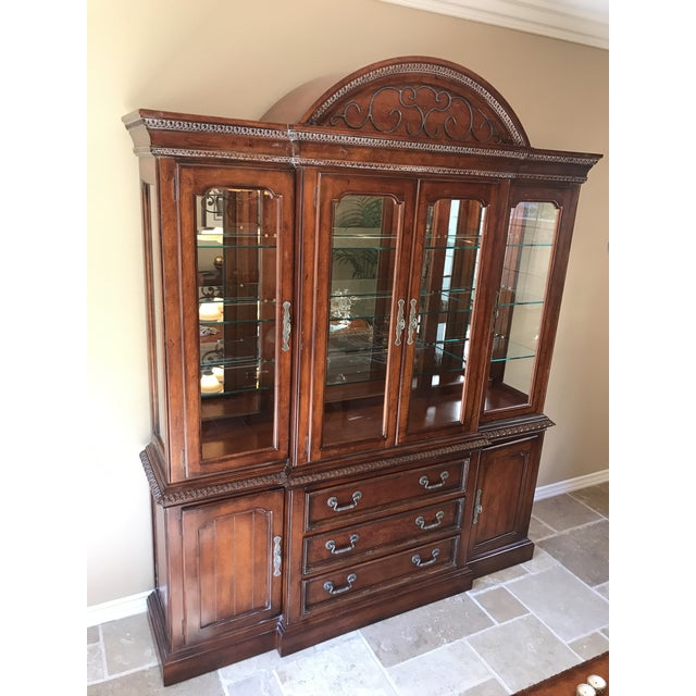 Hickory White Legends China Cabinet - Image 3 of 10