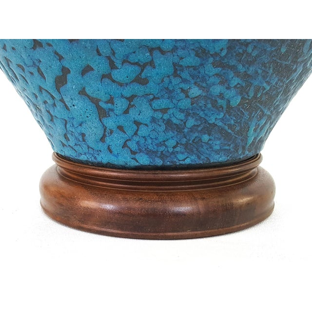Hollywood Regency Turquoise Pottery Lamp - Image 4 of 6