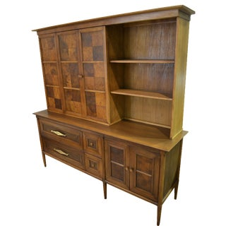 Tomlinson 'Sophisticate' Sideboard and Hutch