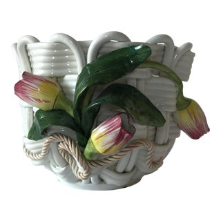 Majolica Basketweave Tulip Planter