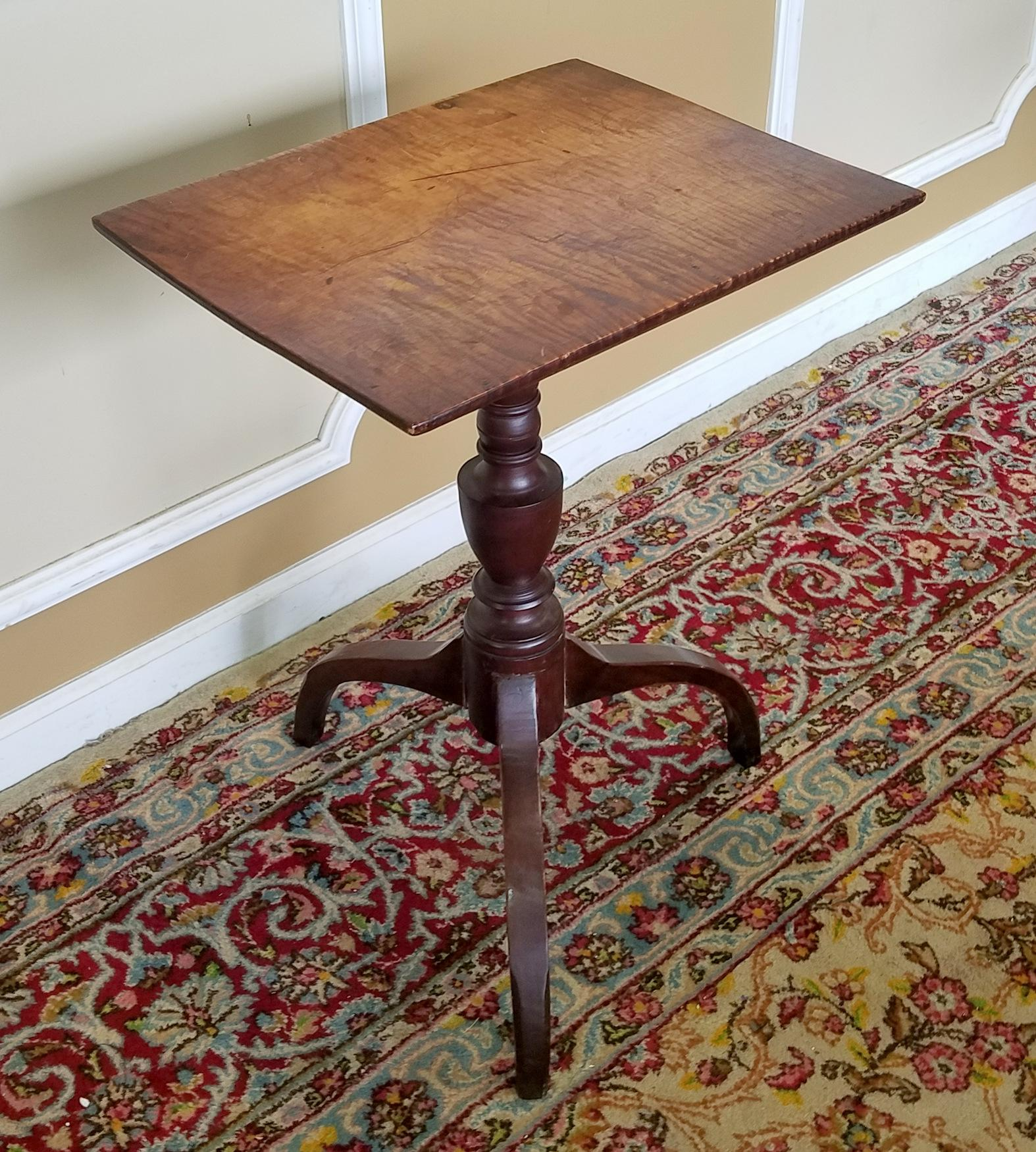 1810 Antique American Federal Tiger Maple Candle Stand Table   Image 4 Of 8