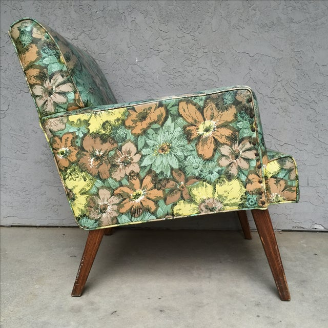 Mid-Century Floral Vinyl & Walnut Lounge Chair - Image 4 of 9