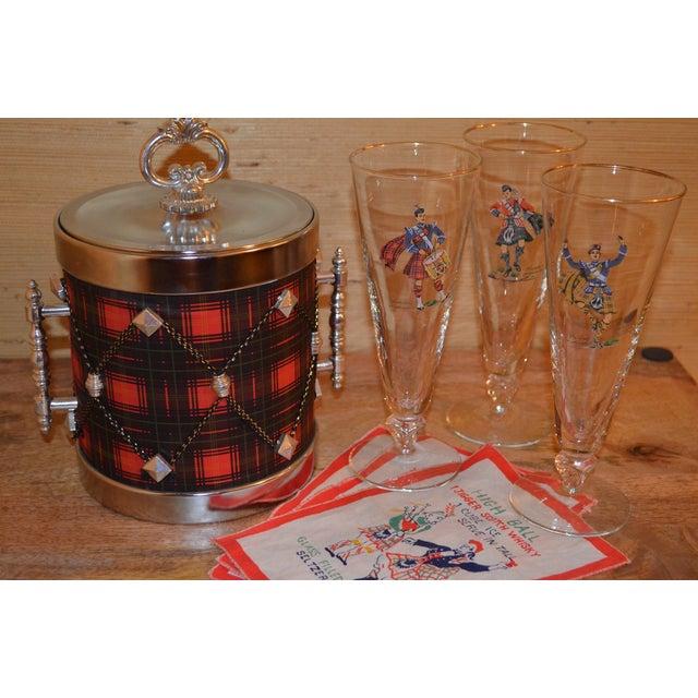 Image of Vintage Tartan Bar Set