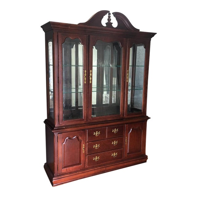 Traditional Thomasville Wood & Glass Display Cabinet - Traditional Thomasville Wood & Glass Display Cabinet Chairish