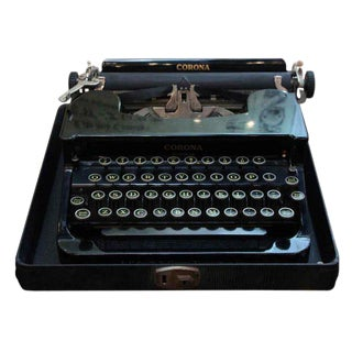 Antique Smith Corona Typewriter With Case